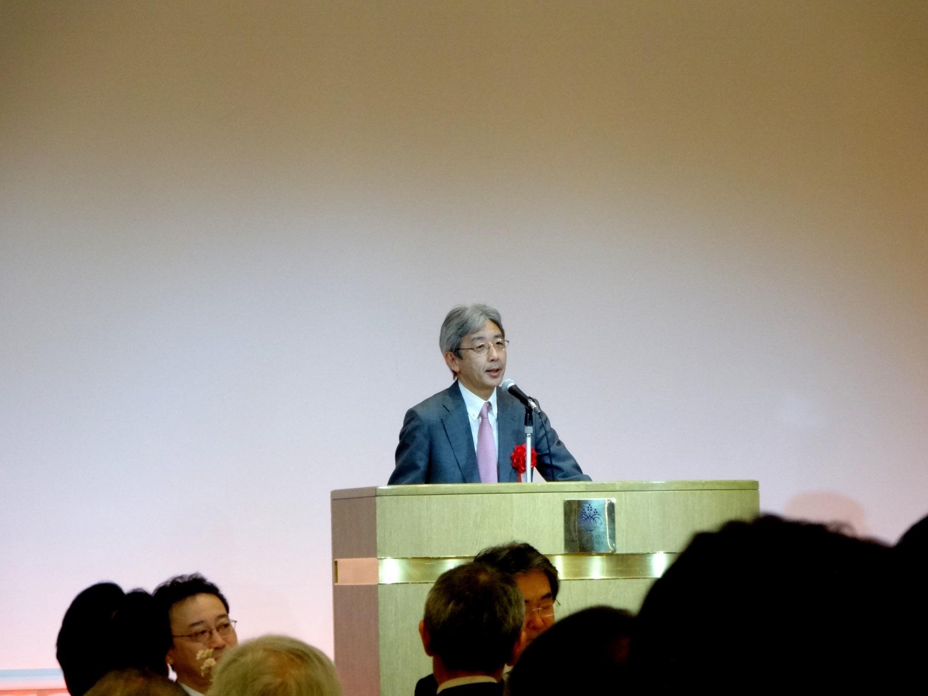 谷本光音教授就任15周年記念祝賀会(岡本真一郎先生御祝辞)